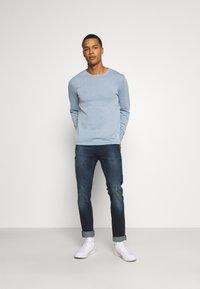 Jack & Jones - JJIGLENN JJICON  - Jeans slim fit - blue denim - 1