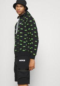 Nike Sportswear - CITY MADE - Shorts - black/black - 3