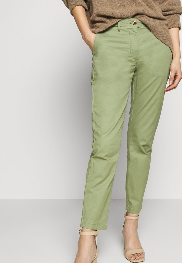 CLASSIC - Chino kalhoty - oil green