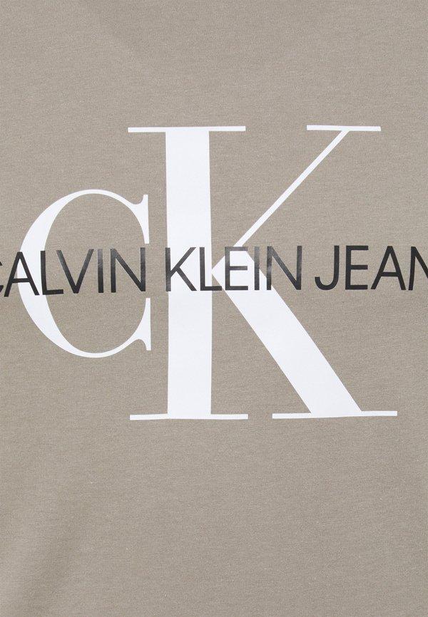 Calvin Klein Jeans SEASONAL MONOGRAM TEE - T-shirt z nadrukiem - elephant skin/white/beżowy Odzież Męska NWKU