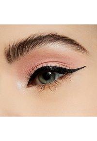 MAC - POWDER KISS EYESHADOW SMALL EYESHADOW - Eye shadow - felt cute - 2