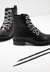 Steve Madden - TESS - Bottines à lacets - black - 7