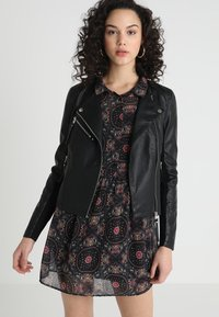 Vero Moda - VMRIA SHORT JACKET - Faux leather jacket - black - 0