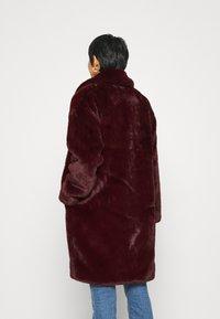Karen by Simonsen - CAZZLE COAT - Winter coat - winetasting - 2
