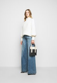 J Brand - THELMA HIGH RISE SUPER WIDE LEG - Relaxed fit jeans - senska raze - 1