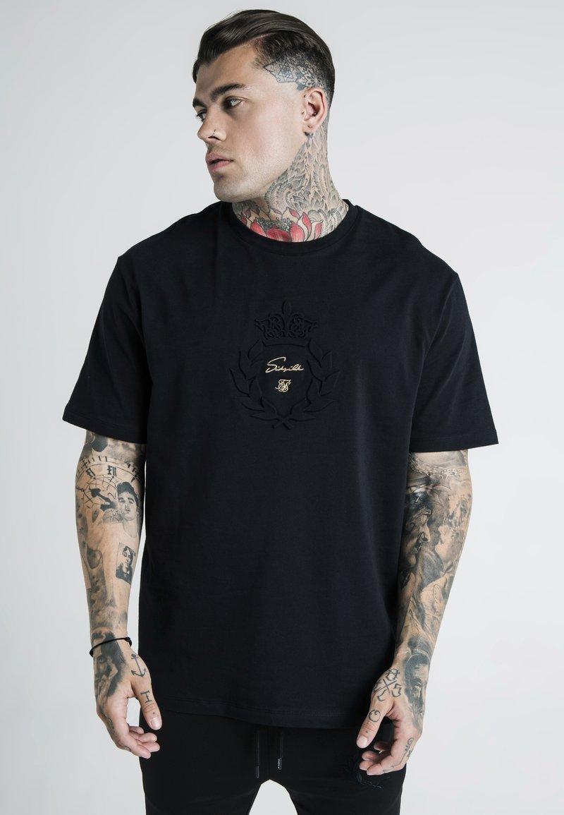 SIKSILK - DANI ALVES PRESTIGE ESSENTIALS TEE - Print T-shirt - black