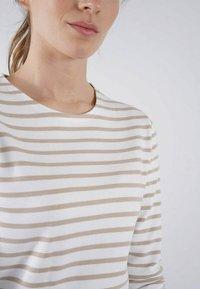 Armor lux - LESCONIL MARINIÈRE - Long sleeved top - blanc/zanna - 1