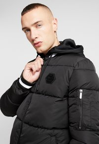 Supply & Demand - HARLEY PADDED JACKET - Zimní bunda - black - 3