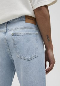 PULL&BEAR - STANDARD  - Jeans straight leg - light blue - 5