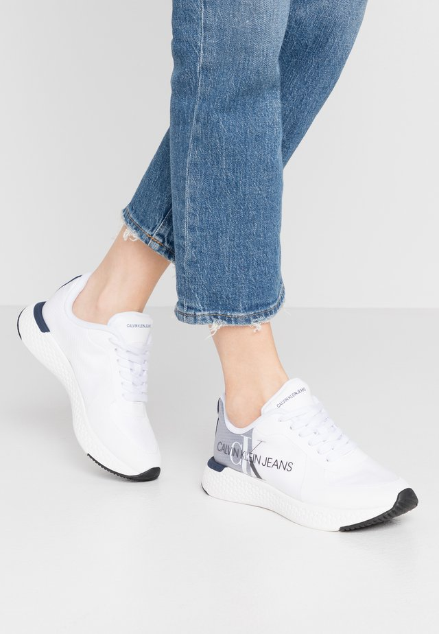 AMEDEA - Zapatillas - white/navy