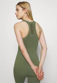 NU-IN - ZIP UP LONG BODYSUIT - Gym suit - green - 4