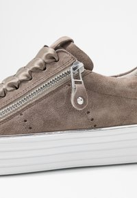 Kennel + Schmenger - UP - Trainers - taupe - 2