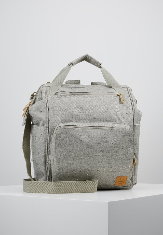 GREEN LABEL BACKPACK - Bolsa cambiador - light grey/beige