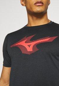 Mizuno - CORE TEE - T-shirt print - black - 4