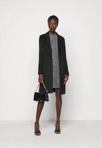 Dorothy Perkins Tall - TALL DITSY SHEERED NECK MINI DRESS - Day dress - multi - 1