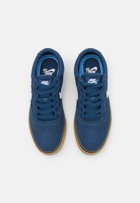 Nike SB - CHRON 2 UNISEX - Matalavartiset tennarit - navy/white/light brown/black - 3