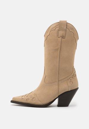 Cowboy/Biker boots - river sand