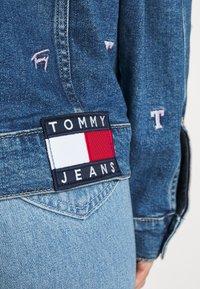 Tommy Jeans - TRUCKER JACKET - Denim jacket - denim light - 5