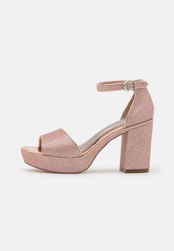 Platform sandals - rose glam