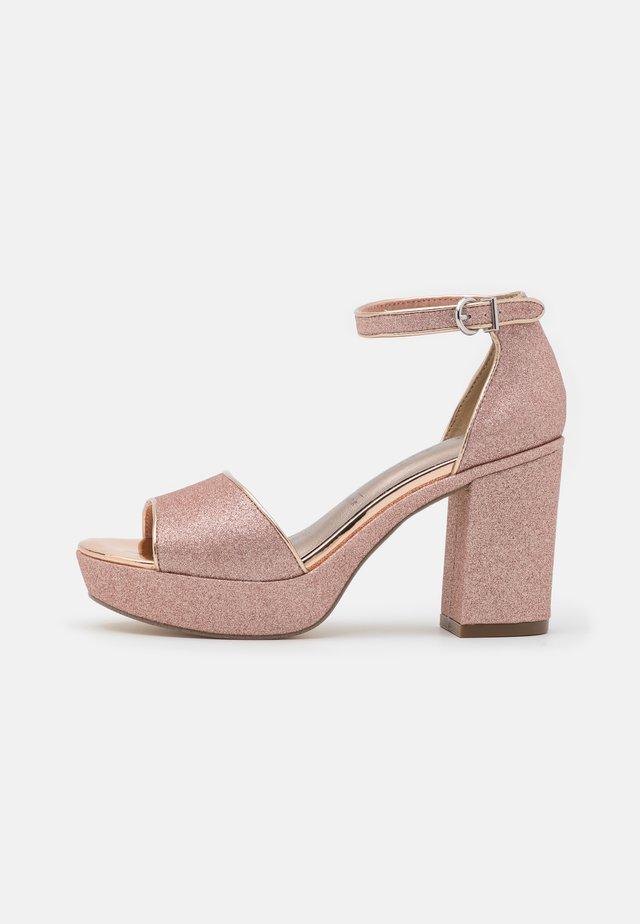 Sandali con plateau - rose glam