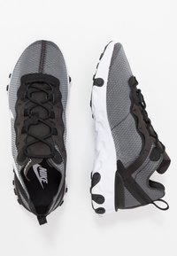 Nike Sportswear - REACT 55 SE - Trainers - black/white - 2