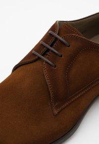 Magnanni - Smart lace-ups - crostidifu coñac - 3