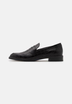 FRANCES - Nazouvací boty - black