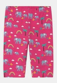 Frugi - LAURIE BIKER ELEPHANTS AND RAINBOWS - Shorts - deep pink - 0