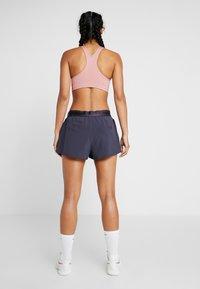 Nike Performance - FLEX - Pantalón corto de deporte - gridiron - 2