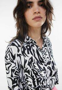 Bershka - Button-down blouse - dark grey - 3
