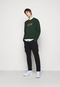 forét - MUTE  - Sweatshirt - dark green - 1