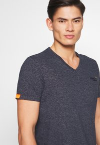 Superdry - T-shirt basique - abyss navy feeder - 3