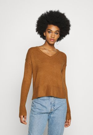 VMNEWLUCI LOOSE VNECK - Jumper - tobacco brown
