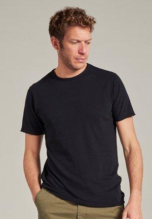 MC. QUEEN - Basic T-shirt - black
