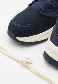 Timberland - TREE RACER - Trainers - navy - 5