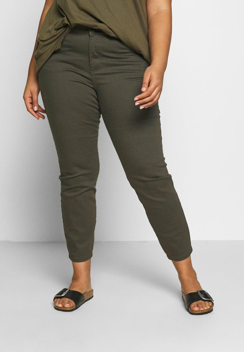Dorothy Perkins Curve - DARCY RAW EDGE JEAN - Jeans Skinny - khaki