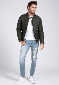 Guess - Light jacket - schwarz - 1
