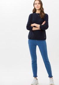 BRAX - SHAKIRA - Slim fit jeans - clean light blue - 1