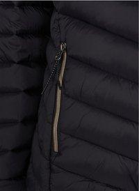 Zizzi - GESTEPPTE MIT KAPUZE UND TASCHEN - Light jacket - black - 3