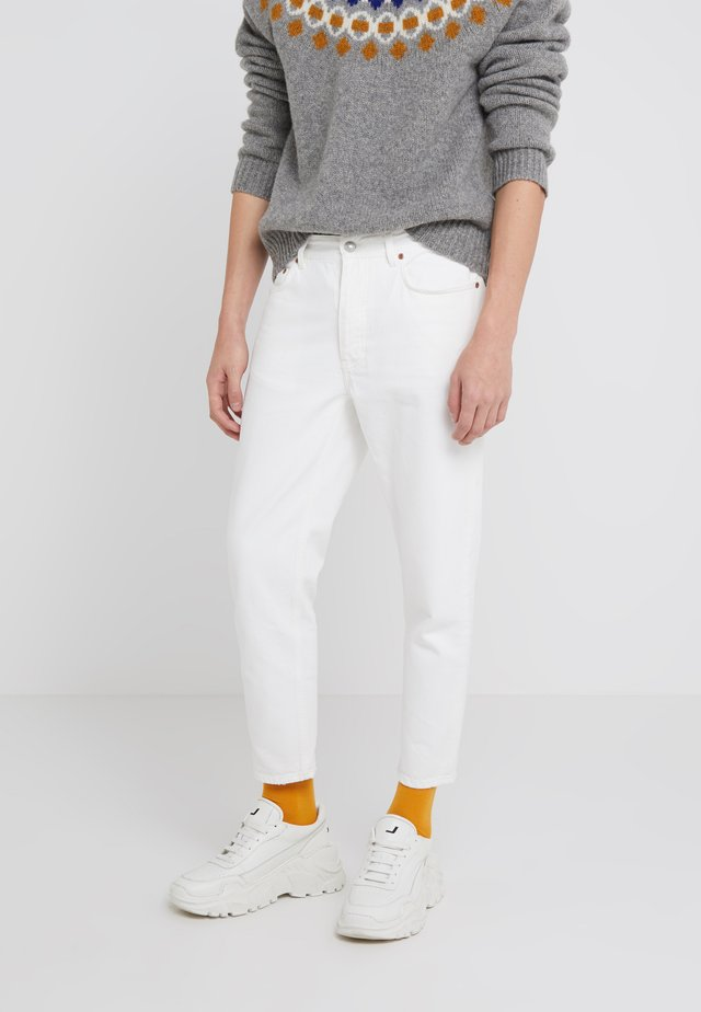 BEN - Jeans straight leg - tinted white distressed