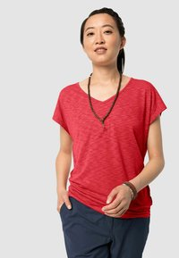 Jack Wolfskin - TRAVEL T W - Basic T-shirt - tulip red - 0
