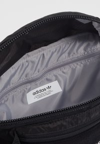 adidas Originals - WAISTBAG UNISEX - Bum bag - black - 3
