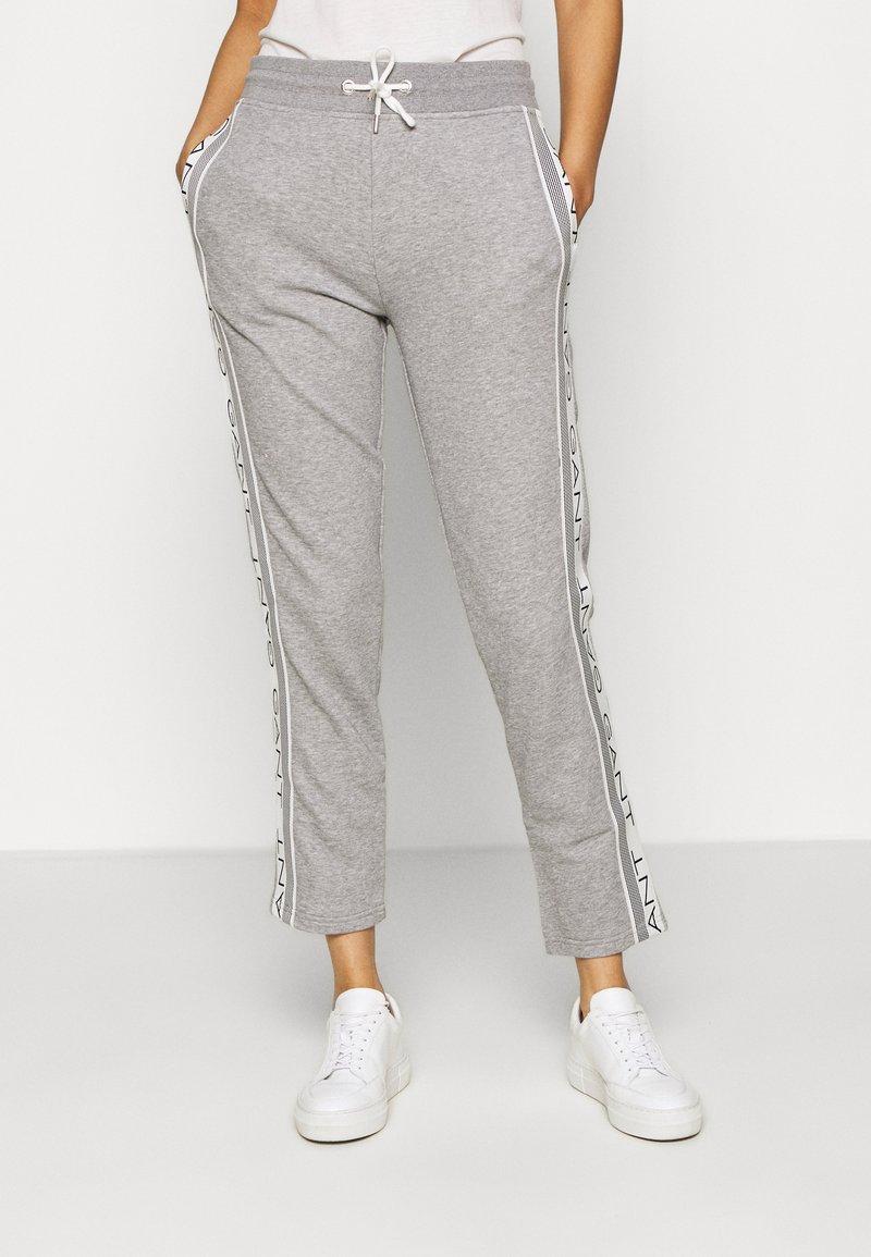GANT - STRIPES PANTS - Tracksuit bottoms - grey