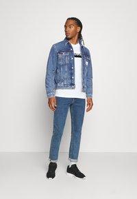 Calvin Klein Jeans - 90S JACKET - Spijkerjas - mid blue - 1
