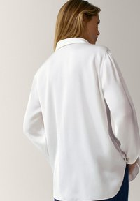 Massimo Dutti - IN SATINOPTIK - Button-down blouse - white - 1