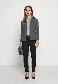 J.CREW PETITE - PERFECT SHIRT IN CLASSIC STRIP - Button-down blouse - black - 1