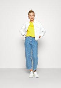 Lacoste - T-shirt basic - guepe - 1