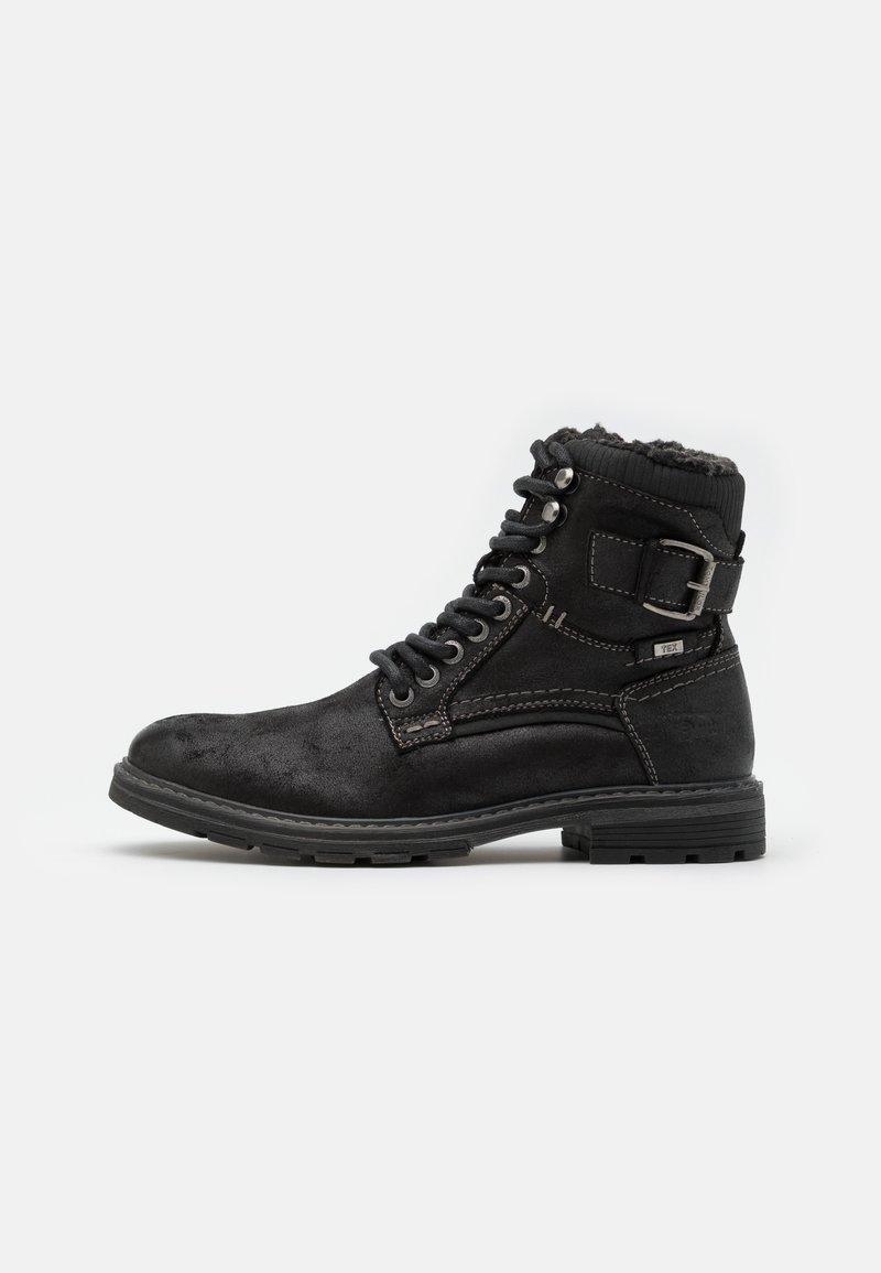 TOM TAILOR - Šněrovací kotníkové boty - black