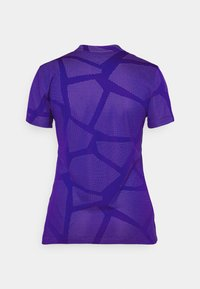 Nike Golf - W NK BRTH SS COURSE JAQUARD  - Print T-shirt - concord/light thistle - 7