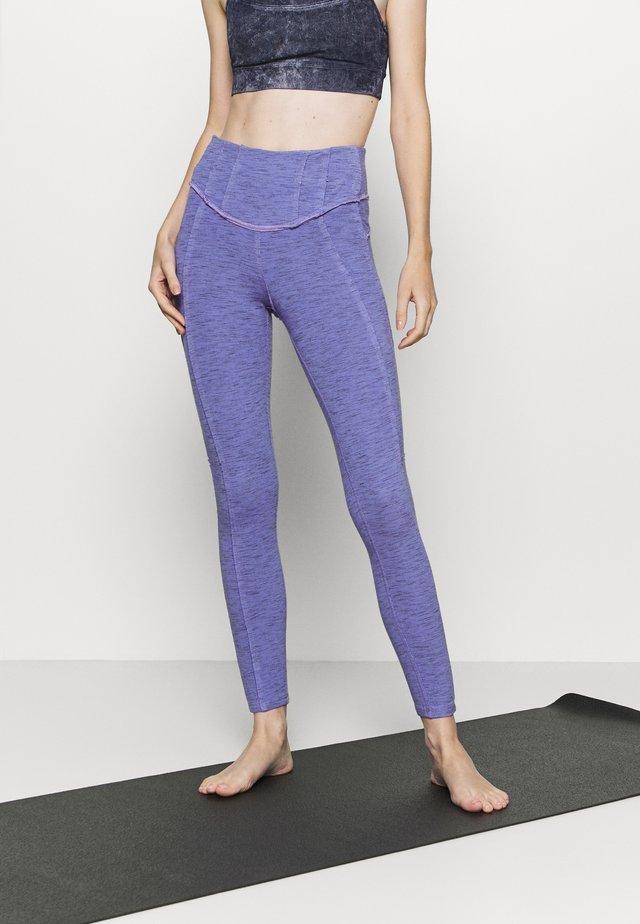 HYBRID LEGGING - Trikoot - violet
